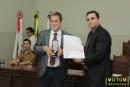 Deputado Estadual Durval Angelo recebendo medalha desembargador Hélio Costa